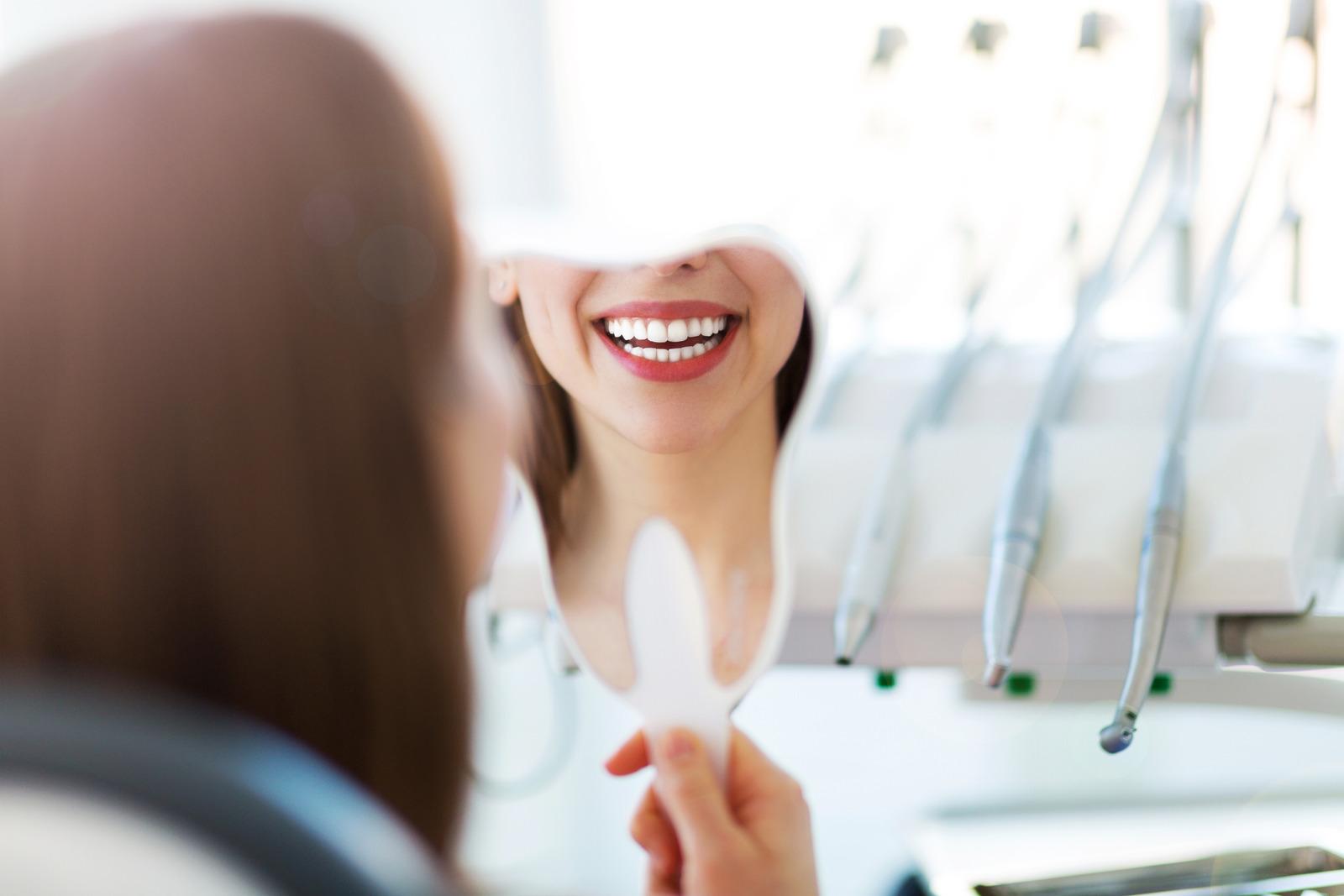 čišćenje zubnog kamenca, pjeskarenje i poliranje u ordinaciji dr. Bilan