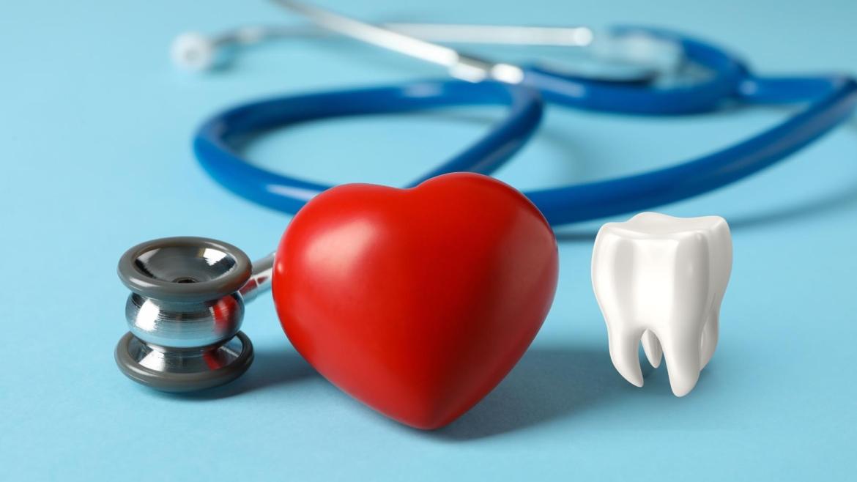 Zubi i srce – kako oralno zdravlje utječe na srce?